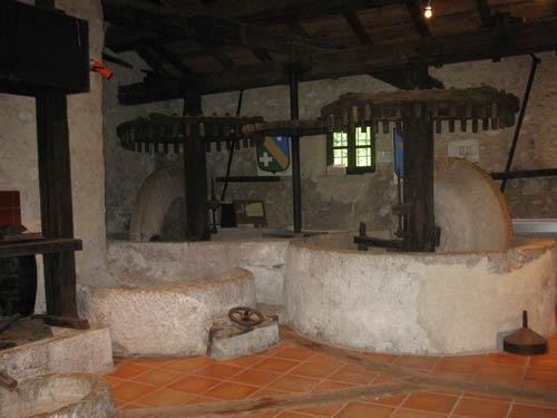 Vieux moulin a huile