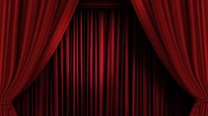 Rideaux rouges sur cne de thŽ‰tre, rideaux de velours rouges ouverts sur scne de spectacle